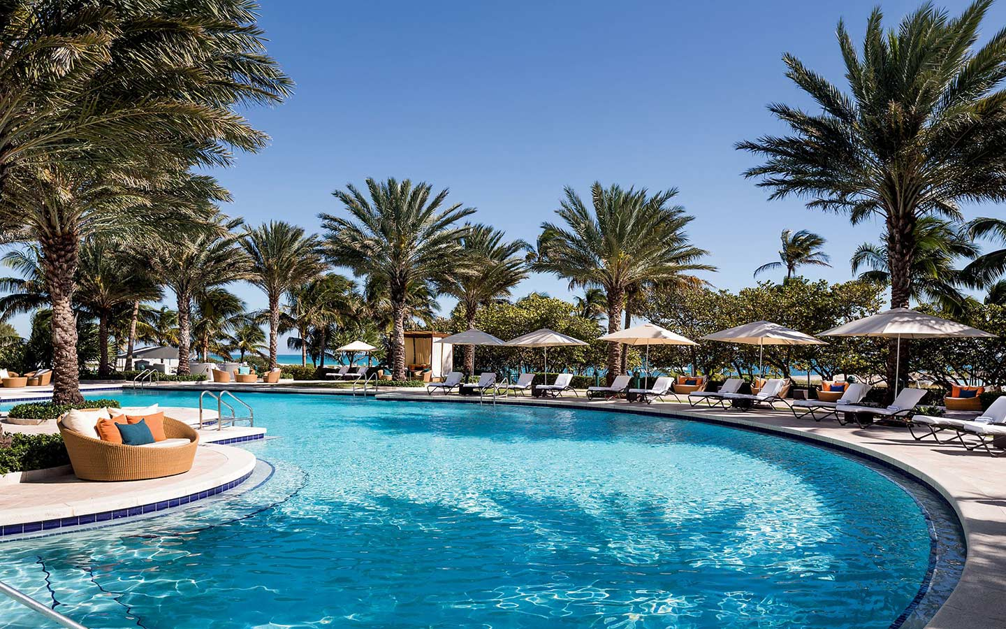 ritz Bal Harbour piscina